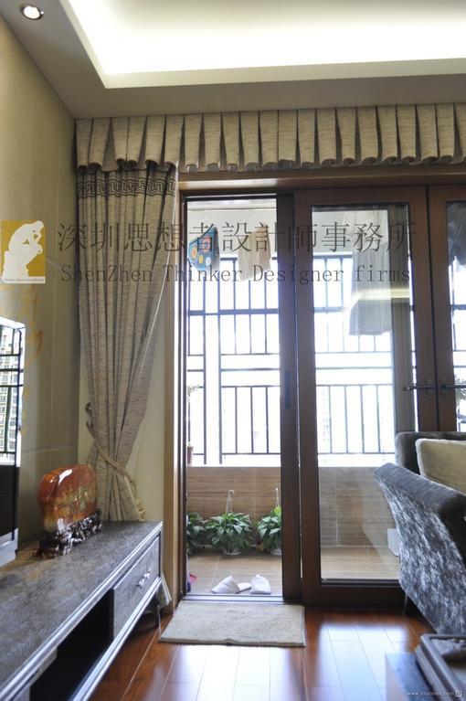 简约中式客厅阳台推拉门图片