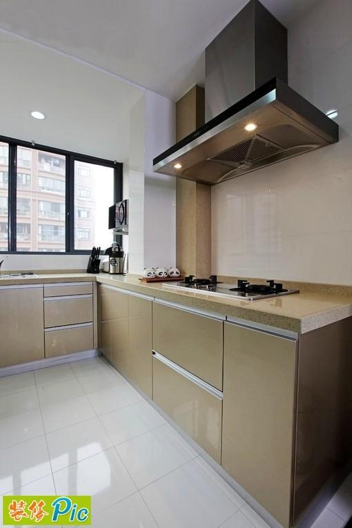 [淡咖啡色整體櫥柜大氣廚房裝修效果圖