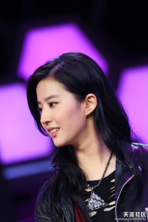 [八卦江湖]来看顶级美女17岁时候的颜!!!!!范冰冰,刘亦菲biocutin