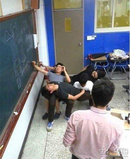 老师有独特的惩罚调皮学生的方法,丧心病狂了点儿