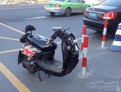有本事偷轮子,有本事你偷车啊